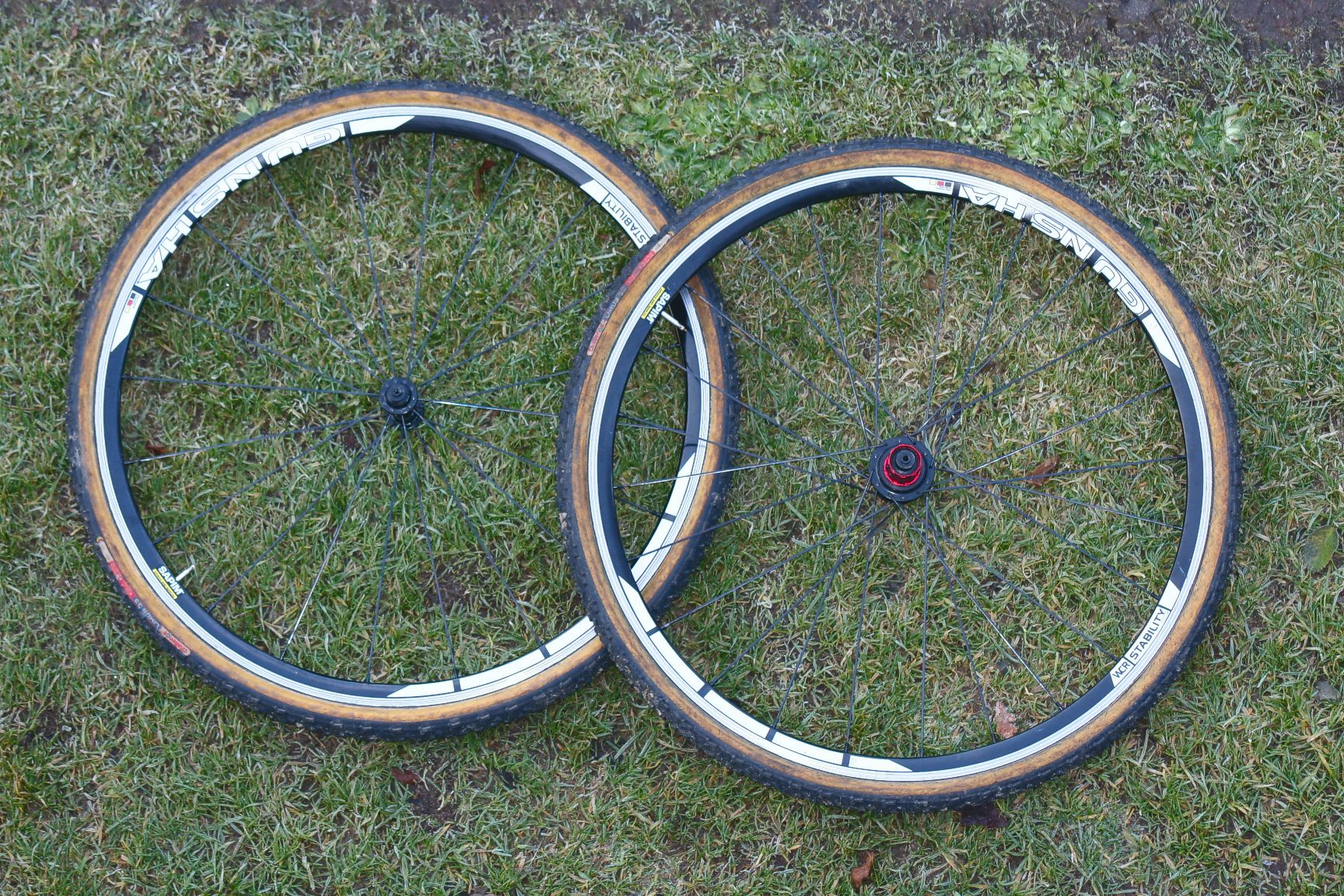 WCR Alloy Stability Tubular incl. Challenge Limus Reifen.